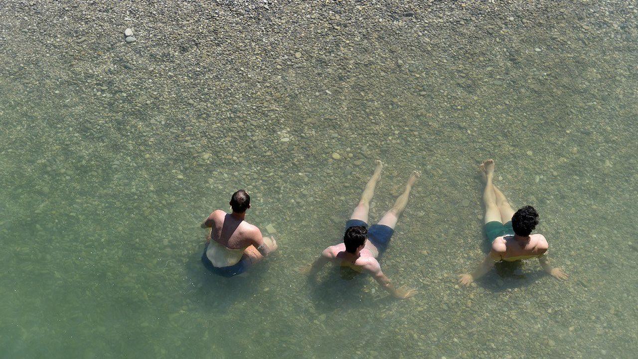En six ans, le nombre de sites de baignade où la qualité de l'eau est «excellente» a augmenté de 2,2 points pour les zones côtières et de 2,6 points dans les terres.