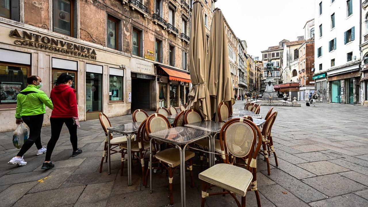 Avec la crise du coronavirus, l'Italie va connaître en 2020 son pire choc économique depuis la Seconde Guerre mondiale.