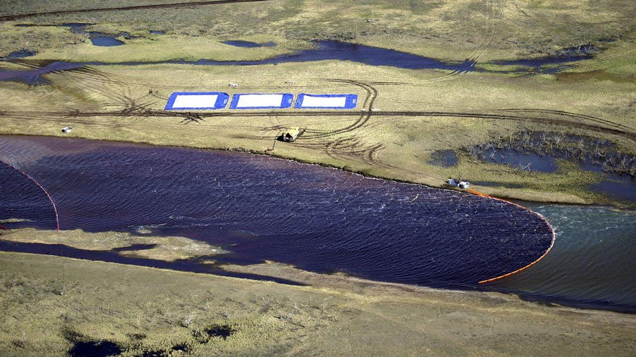 L'accident du réservoir vieux de plus de trente ans de Norilsk Nickel, premier producteur mondial de nickel, a provoqué «la pire pollution de l'histoire au-delà du cercle polaire», selon un expert de Greenpeace Russie.