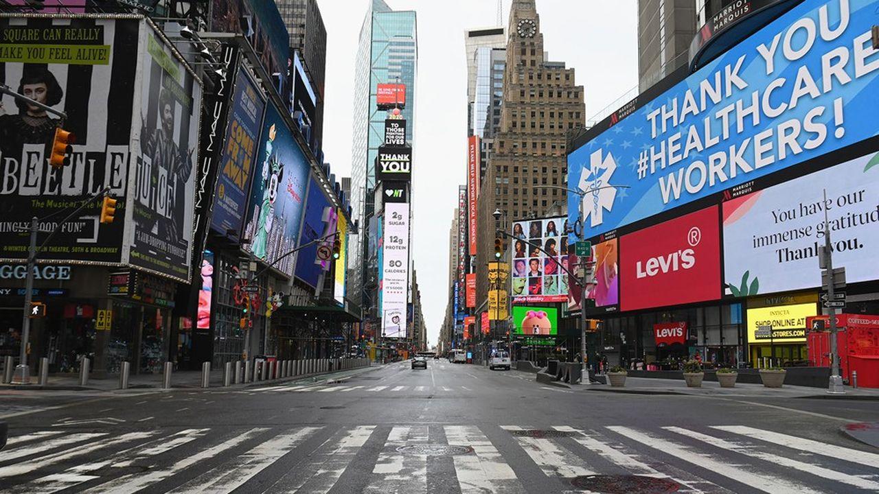 Pendant plusieurs semaines, plus de la moitié de la planète a été confinée, laissant les centres ville déserts comme ici à New York le 3 avril .