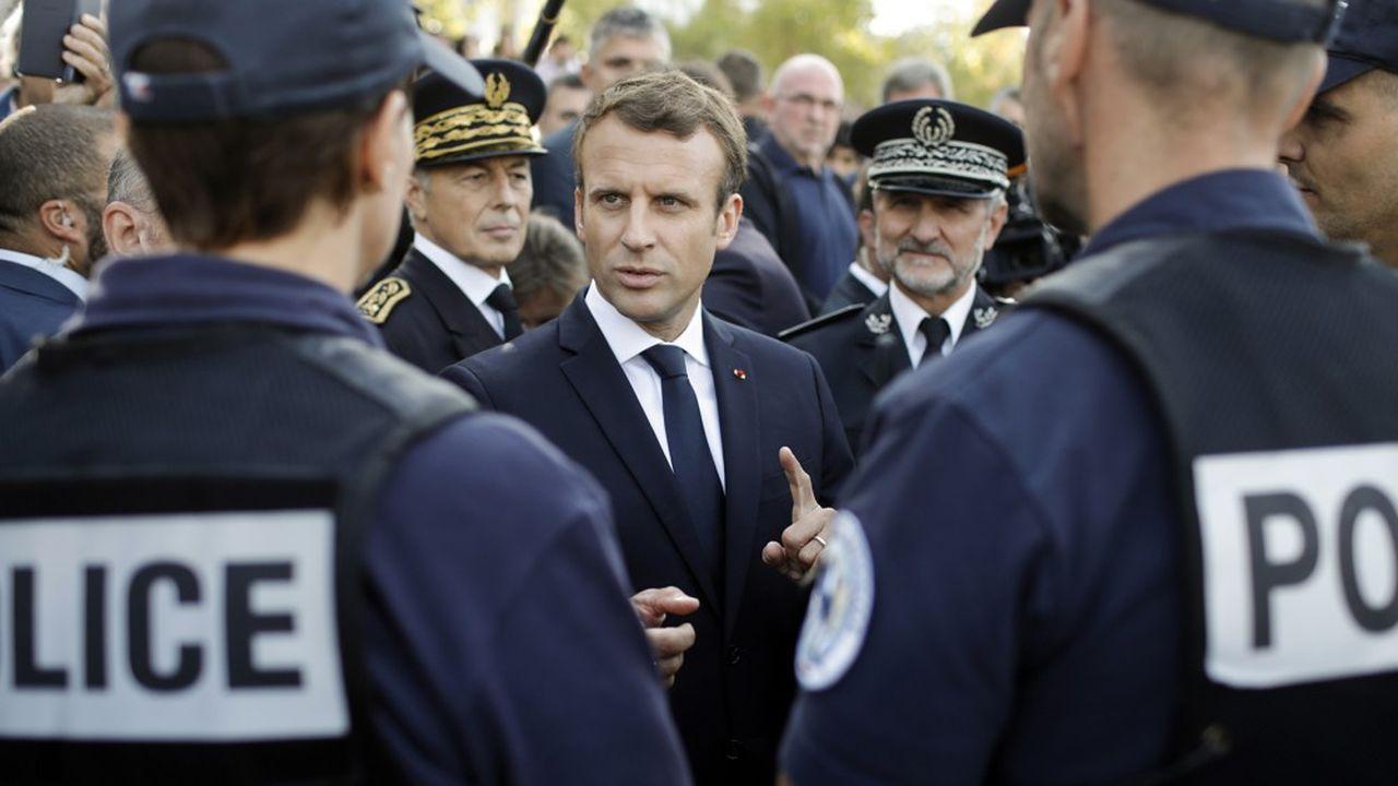 Emmanuel Macron a dû demander à son ministre de l'Intérieur «d'accélérer» sur la question de la déontologie policière