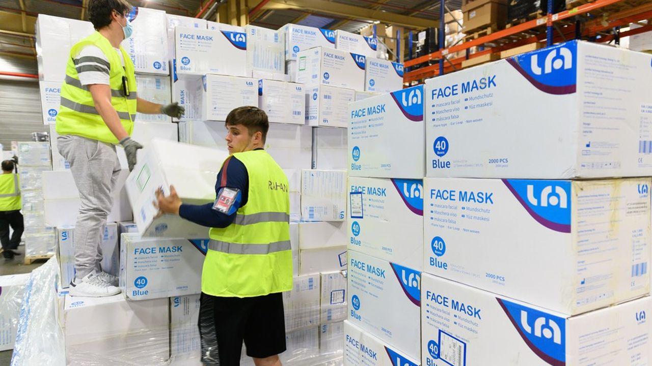 L'Etat n'a pas fait confiance aux Français et aux grandes entreprises alors qu'il peinait à s'approvisionner en masques.