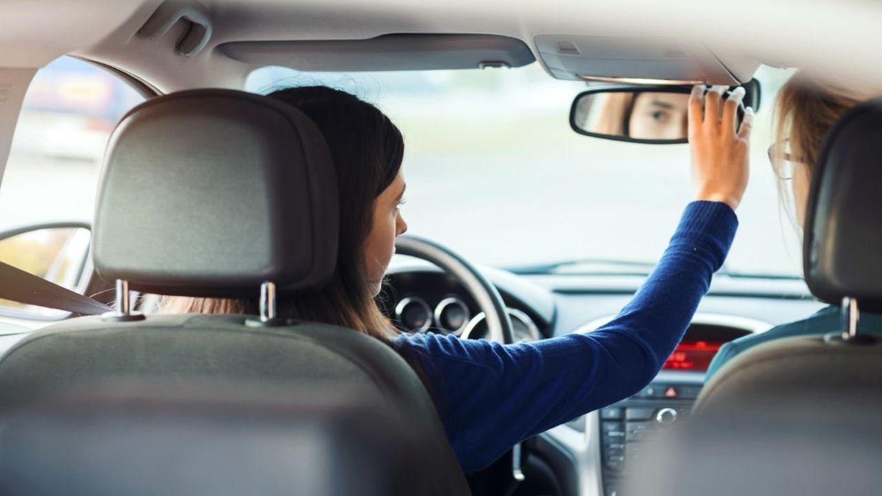 Près de deux millions de candidats passent chaque année les permis auto, moto et camions en France.