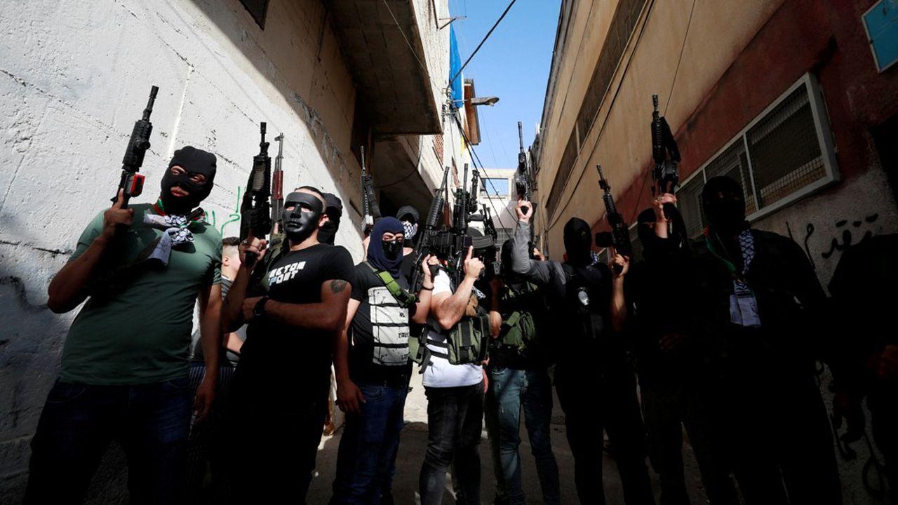 Des militants palestiniens des Brigades des martyrs d'Al-Aqsa, milice armée du Fatah, ont manifesté contre le plan israélien d'annexion de la Cisjordanie, le 7juin à Naplouse.