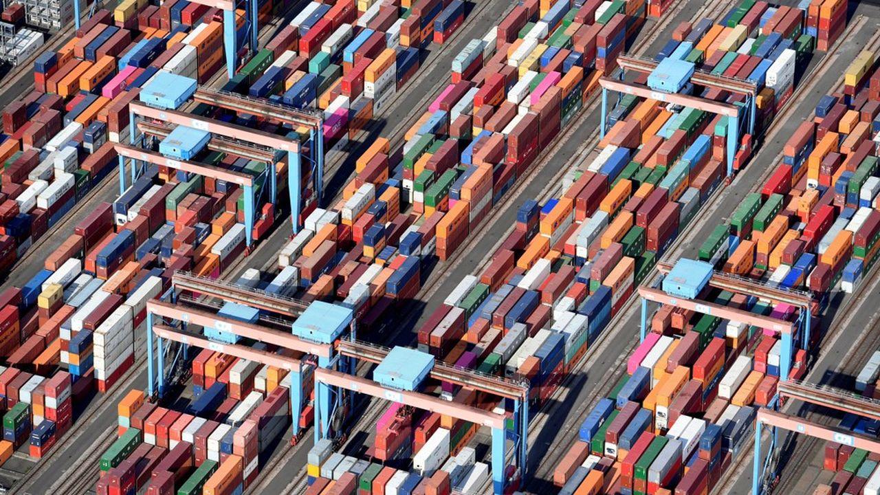 Des containers dans le port de Hambourg