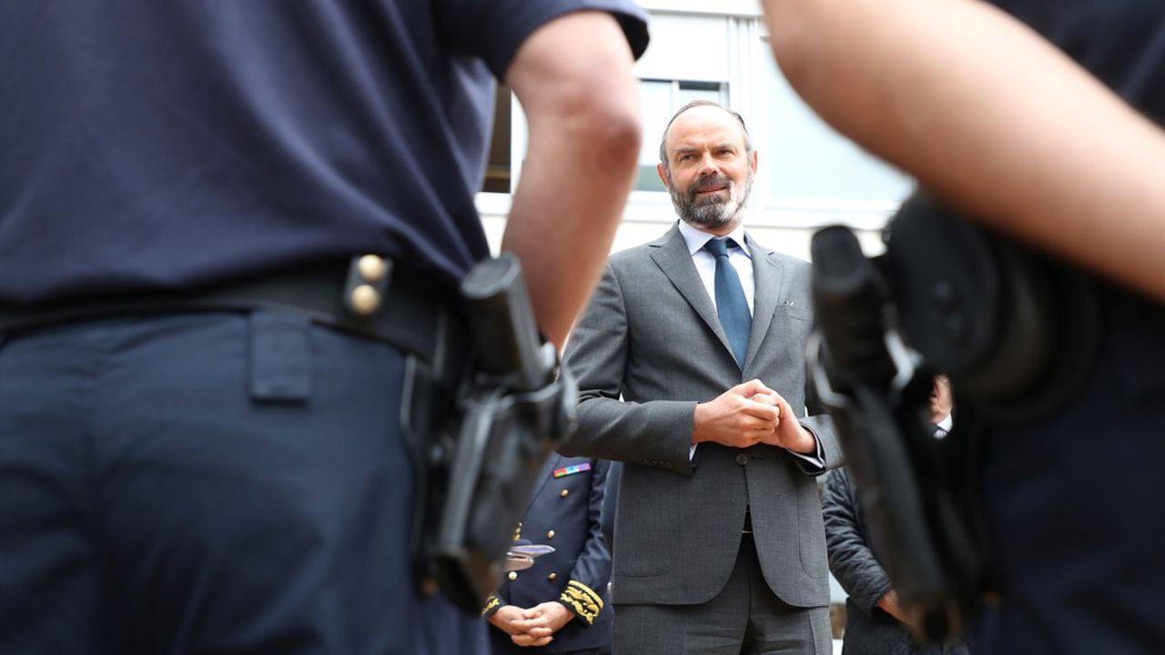 Edouard Philippe s'est rendu ce mardi à Evry pour échanger avec des policiers puis l'association Génération 2, qui travaille entre autres sur les relations entre la police et la population.