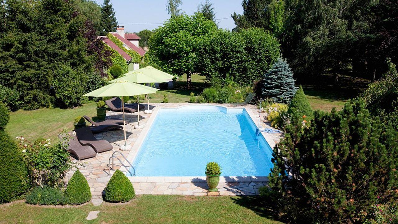 La France compte 2.100 acteurs de la filière piscine, fabricants, installateurs et distributeurs.