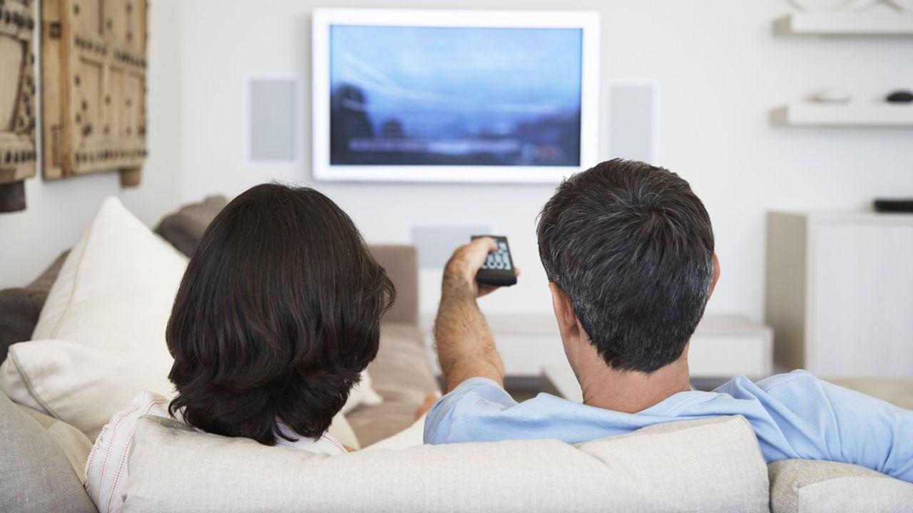 La télévision a perdu l'heure gagnée durant le confinement.