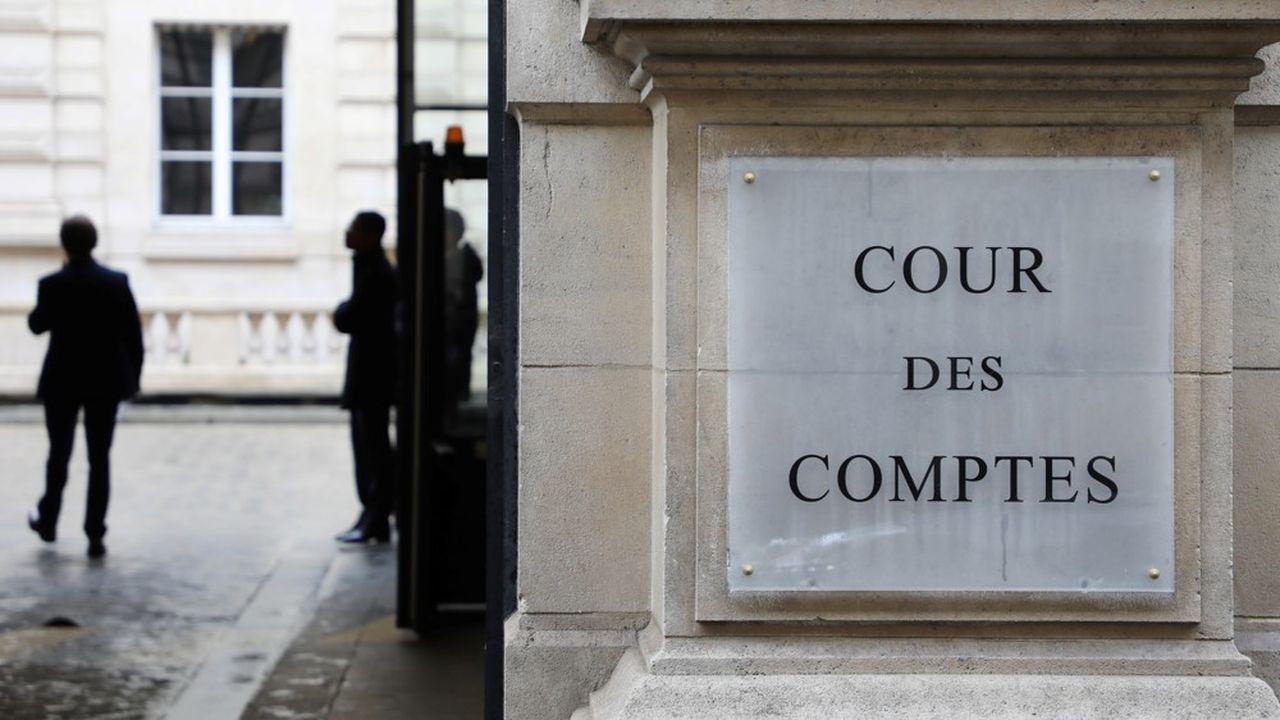 Le Haut Conseil des finances publiques, rattaché à la Cour des comptes, «considère prudente la prévision du Gouvernement d'un recul de l'activité de 11% en 2020»