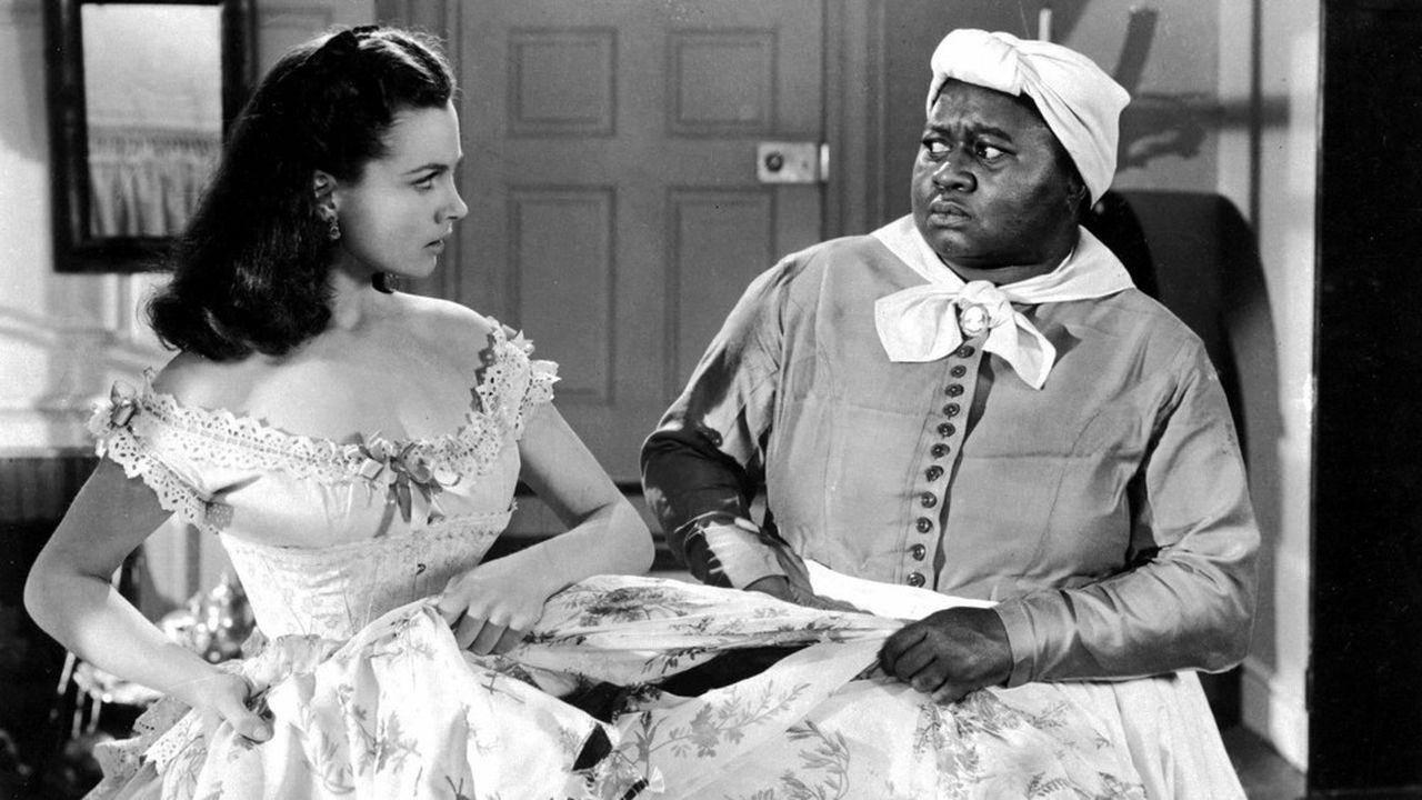 Les comédiennes Vivien Leigh et Hattie McDaniel dans une scène du film Autant en emporte le vent de Victor Fleming, 1939.