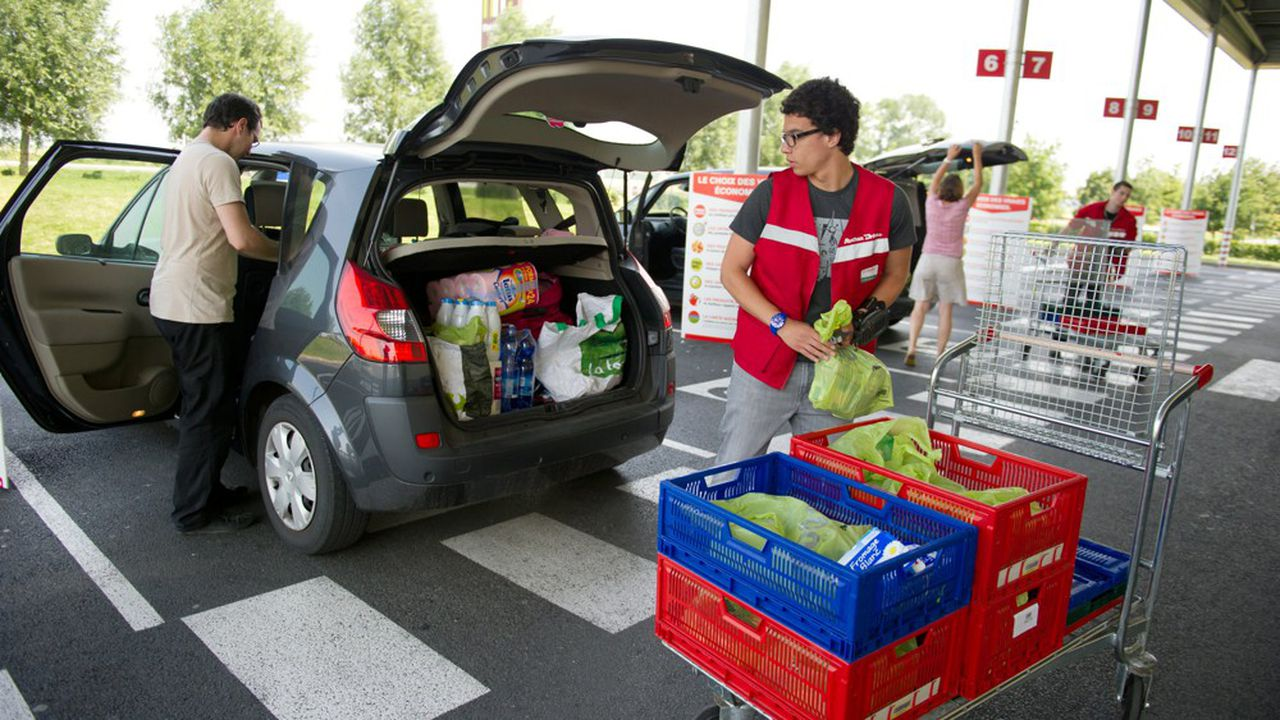 Le panéliste Nielsen pointe un doublement des achats alimentaires, soit à domicile, soit dans les drives, pendant le confinement.