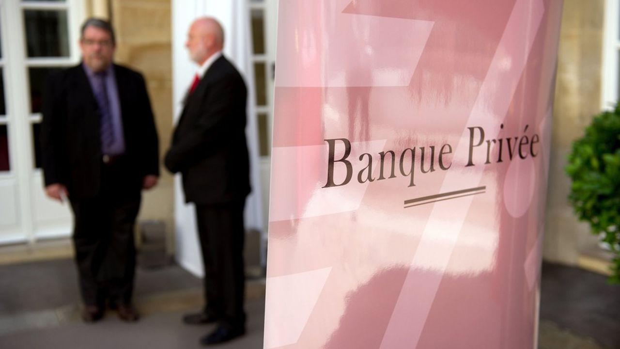 Quatre candidats sont encore en lice pour le rachat de la banque privée Meeschaert, de sources concordantes.