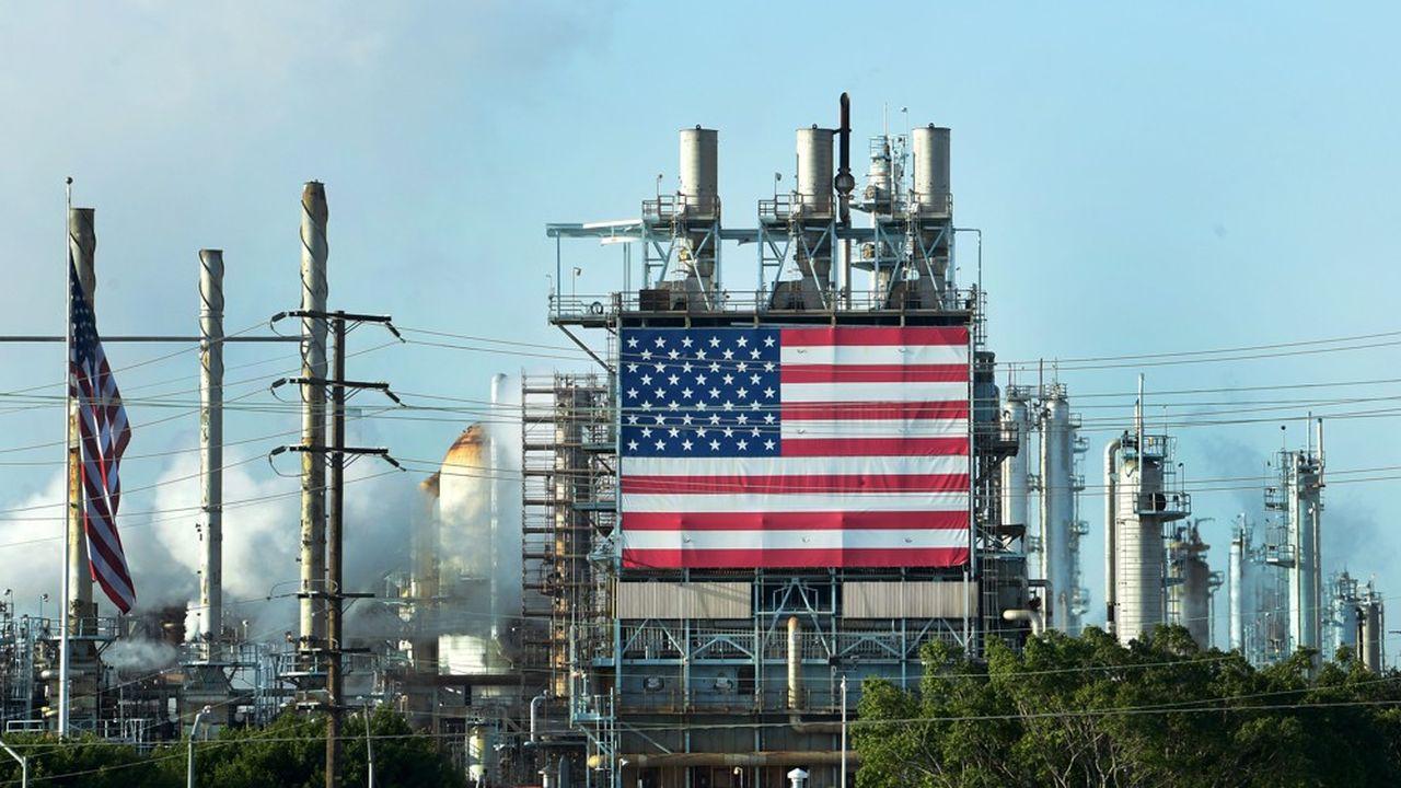 D'après les analyses des images satellites, l'industrie lourde américaine connaît une reprise en V: de l'autre côté de l'Atlantique, la production d'acier, de ciment, de pétrole et d'électricité fonctionne à 86% de son niveau de début janvier.