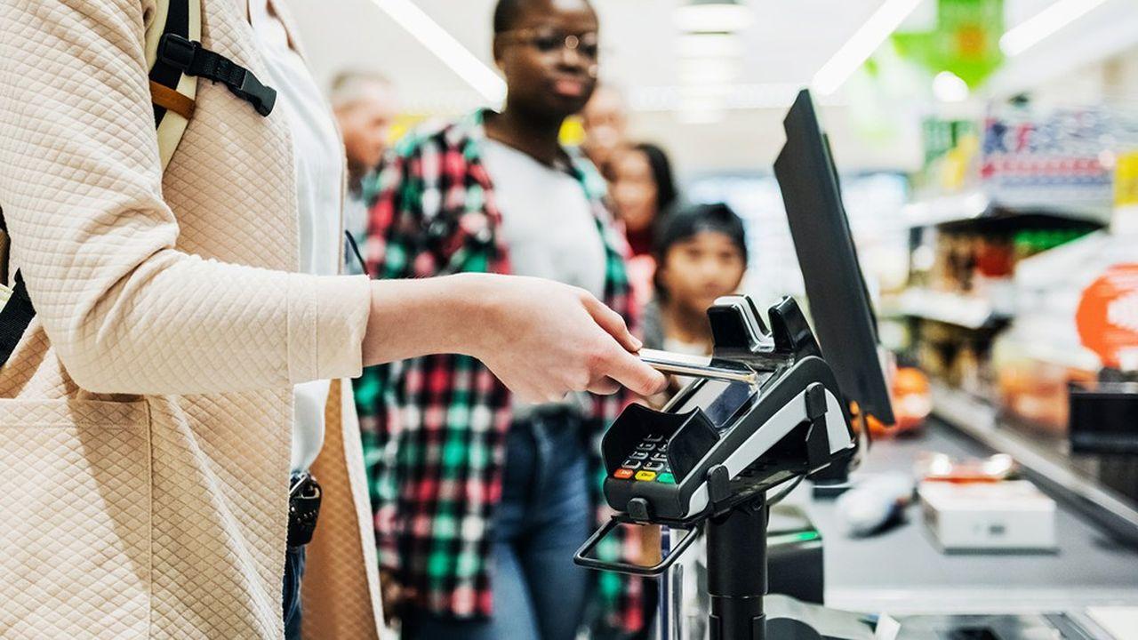 Alors que le paiement sans contact par carte explose, le paiement mobile sans contact tarde à décoller en France.