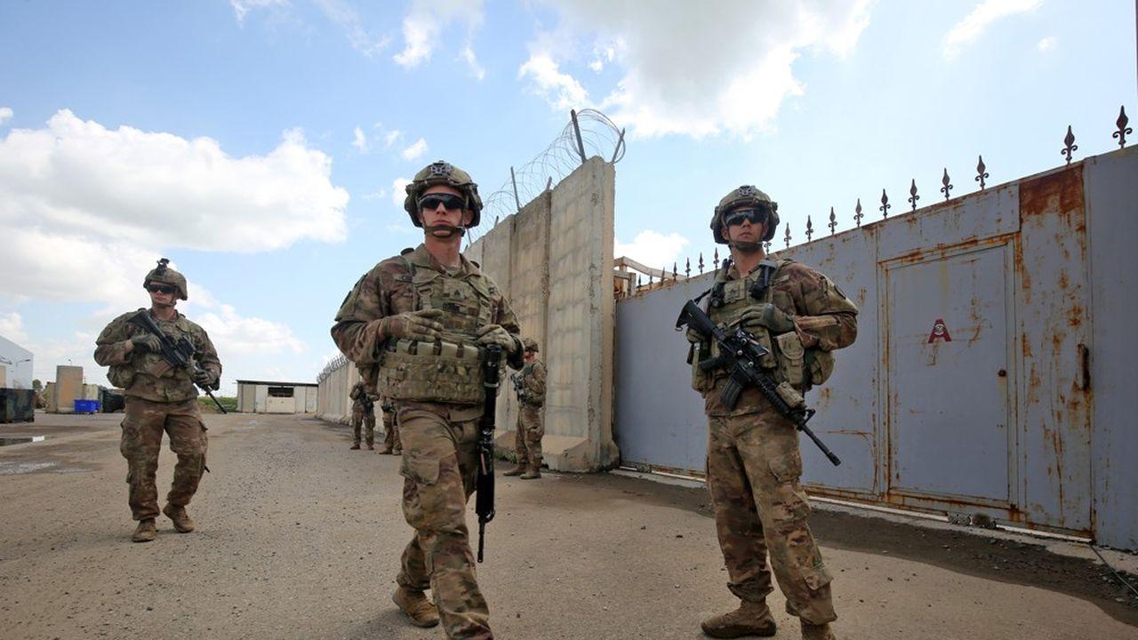Plus de deux ans et demi après la «victoire» sur les djihadistes côté irakien, les 5.200 soldats américains présents dans le pays étaient à nouveau au coeur des tensions.