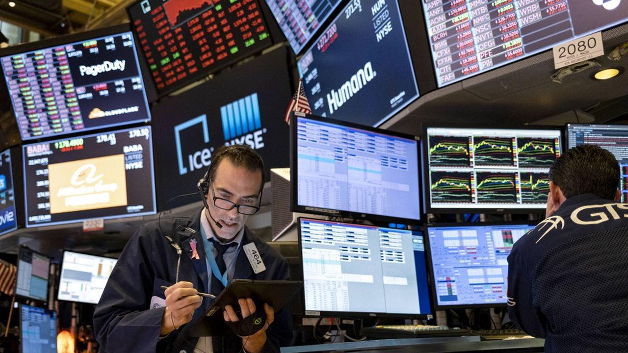 Wall Street a connu sa pire séance en trois mois, le Dow Jones cédant 6,90%, le Nasdaq perdant 5,27% et le S & P 500 tombant de 5,89%.