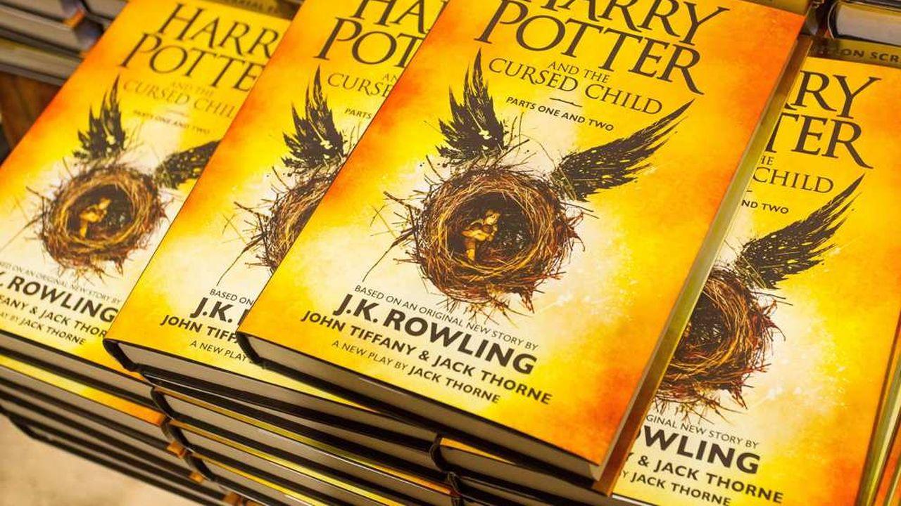 """""""Harry Potter and The Cursed Child"""" a été vendu quatre fois plus que le deuxième meilleur livre."""