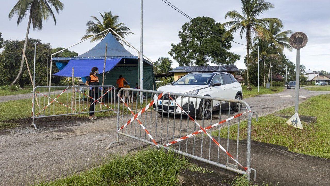 Un barrage filtrant en Guyane au cours du confinement.