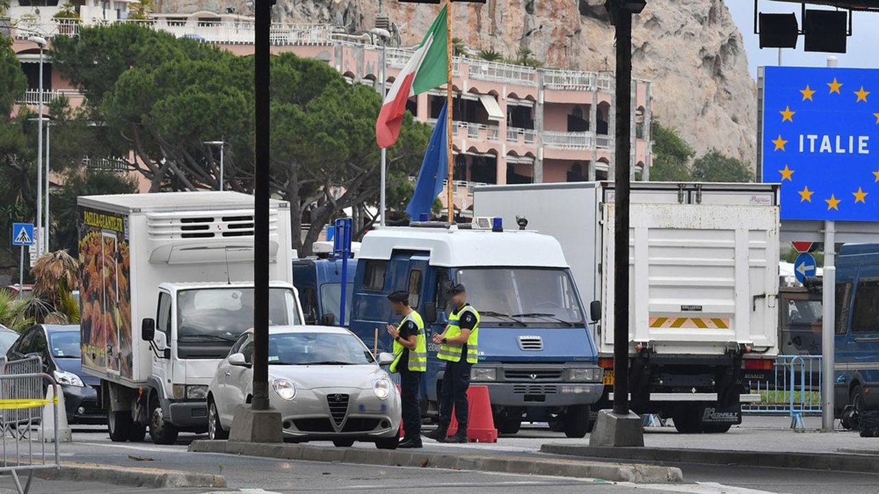 L'Italie, premier pays européen touché par l'épidémie de coronavirus, est aussi l'un des premiers à avoir annoncé une réouverture de ses frontières.