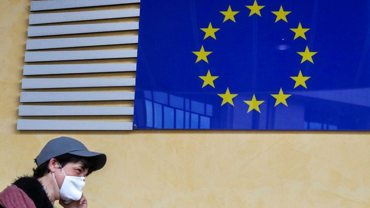 La crise mondiale du coronavirus a frappé durement l'Europe et met au défi les banques centrales de toute la planète