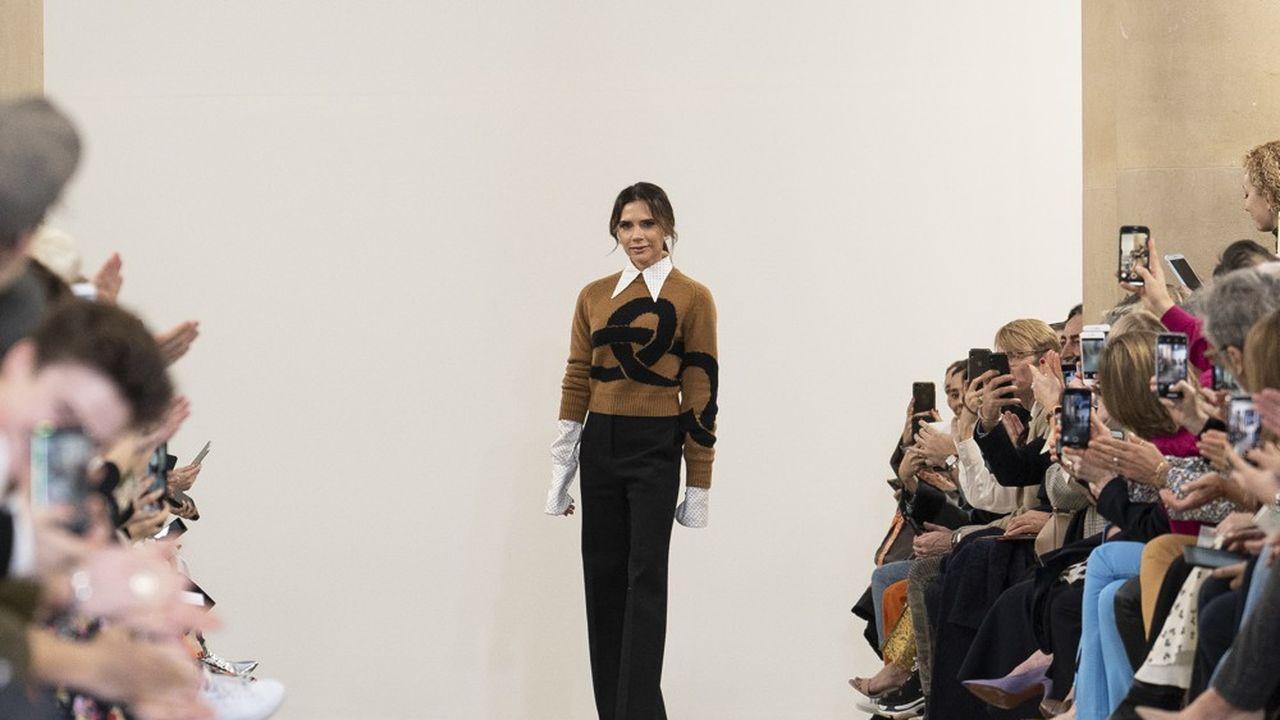 Fashion Week Automne-Hiver 2019 : la féminité selon Victoria Beckham