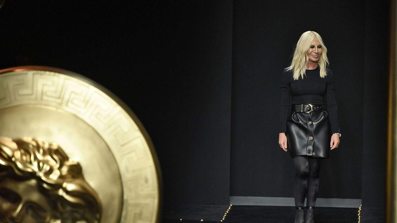 Fashion Week Automne-Hiver 2019 : Versace sous toutes les coutures