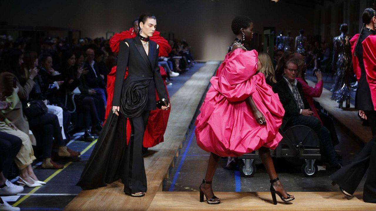 Fashion Week Automne-Hiver 2019 : le chic anglais d'Alexander McQueen