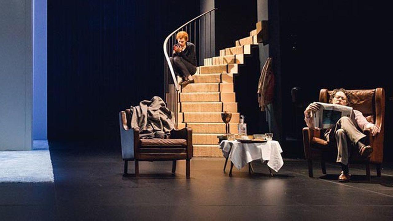 James et Stella (Laurent Poitrenaux et Valérie Dashwood), Bill et Harry (Micha Lescot et Mathieu Amalric) dans leur « sweet home » respectif.