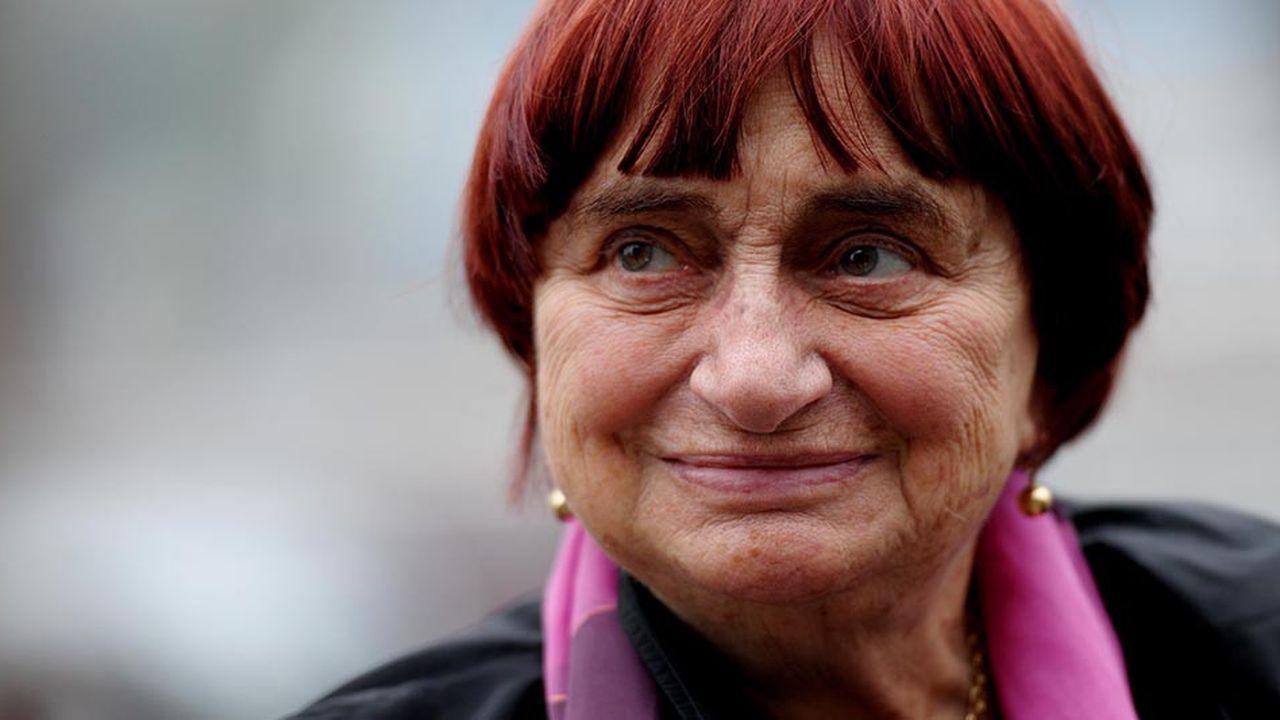 Agnès Varda a notamment réalisé «Sans toit ni loi» (1985, Lion d'or à la Mostra de Venise), «Jacquot de Nantes» (1991), «Les Glaneurs et la Glaneuse» (2000) et «Deux ans après» (2002)