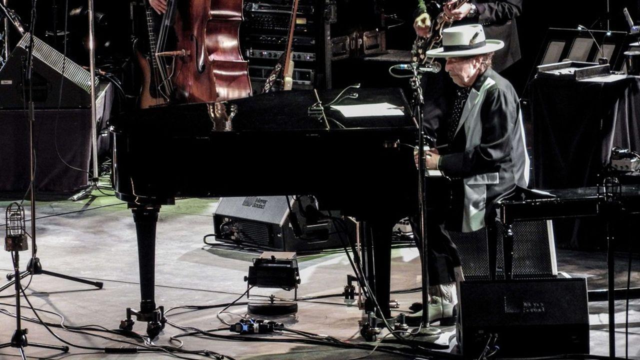 Bob Dylan lors d'un concert au Motorpoint Arena Nottingham en mai2017.