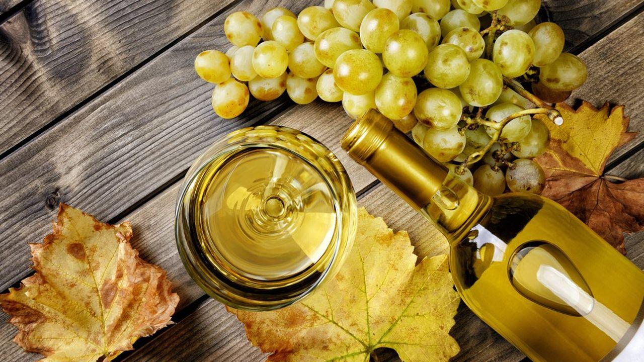 Porté par « la tendance cocktail », l'or blond s'invite désormais de l'heure apéritive jusqu'au creux de la nuit.