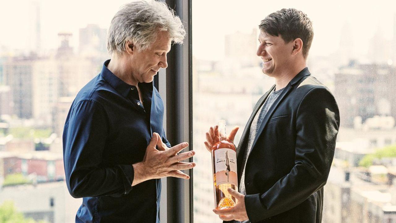 Le groupe languedocien Gérard Bertrand a créé Hampton Water pour la rock star américaine Bon Jovi (ici avec son fils).