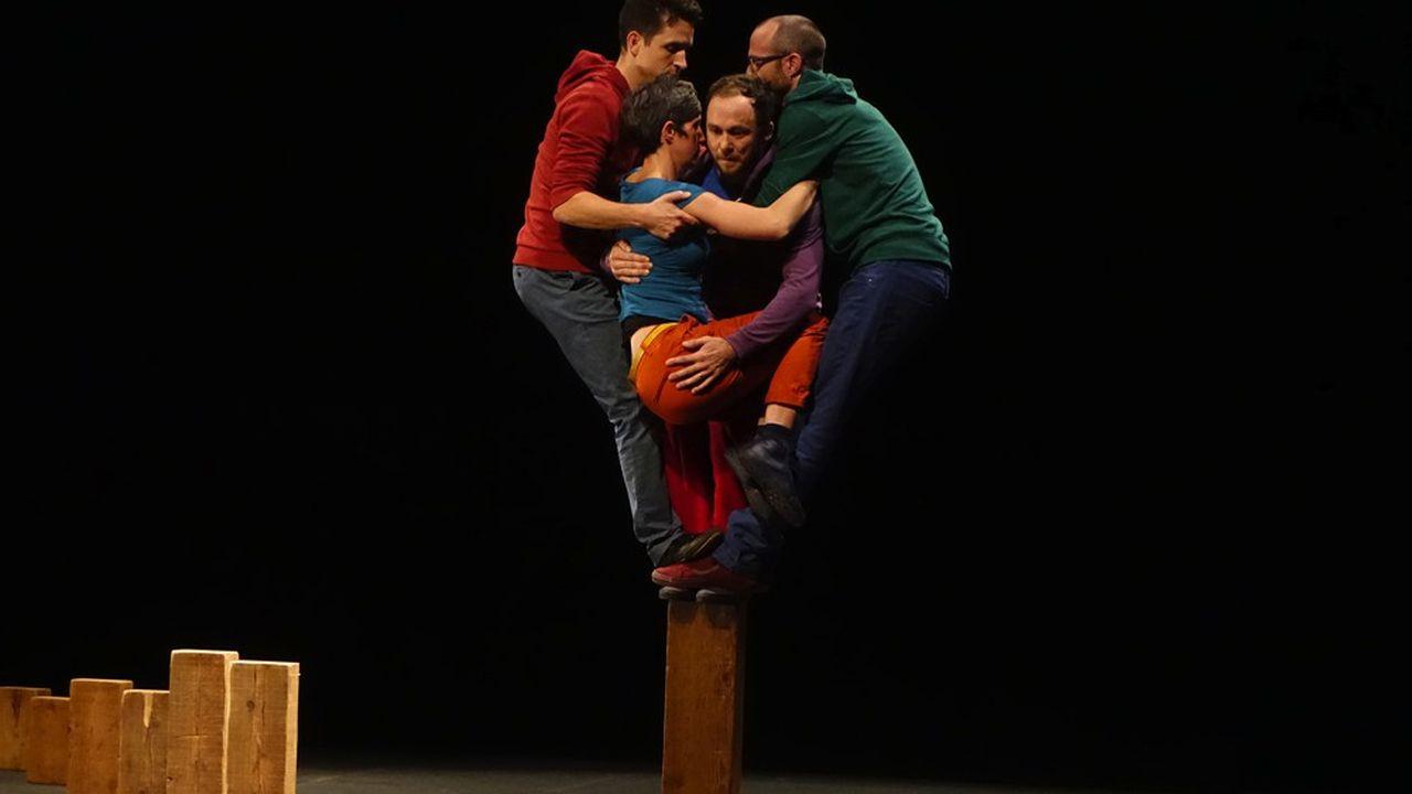 «Le Gros Sabordage»: cirque en vrac au Monfort