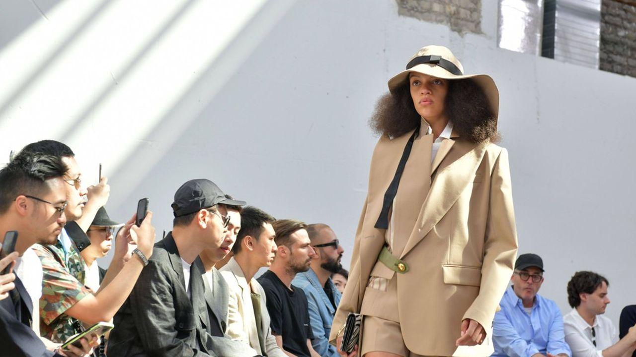 Fashion Week Printemps-Eté 2020: la mode hybride de Sacai