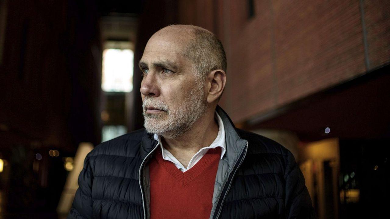L'auteur mexicain Guillermo Arriaga, également réalisateur et scénariste, livre un polar qui sonde l'indicible et l'indomptable en l'homme.