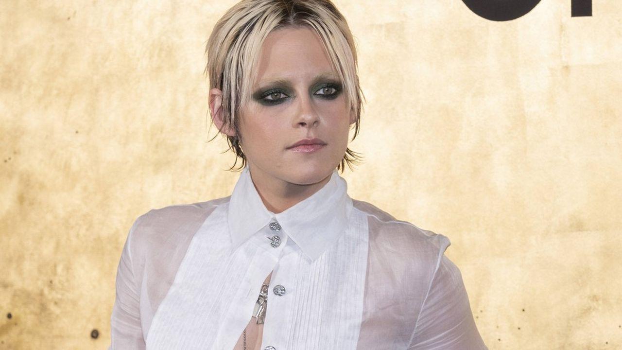 Kristen Stewart, actrice et réalisatrice, est également top model, comme ici pour Chanel.