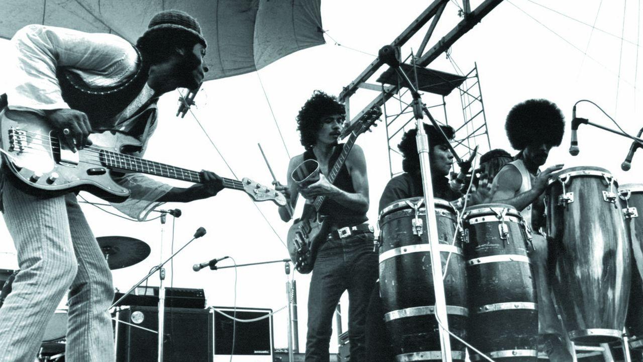 Santana se produisant à Woodstock. Bethel (Etats-Unis), août1969.