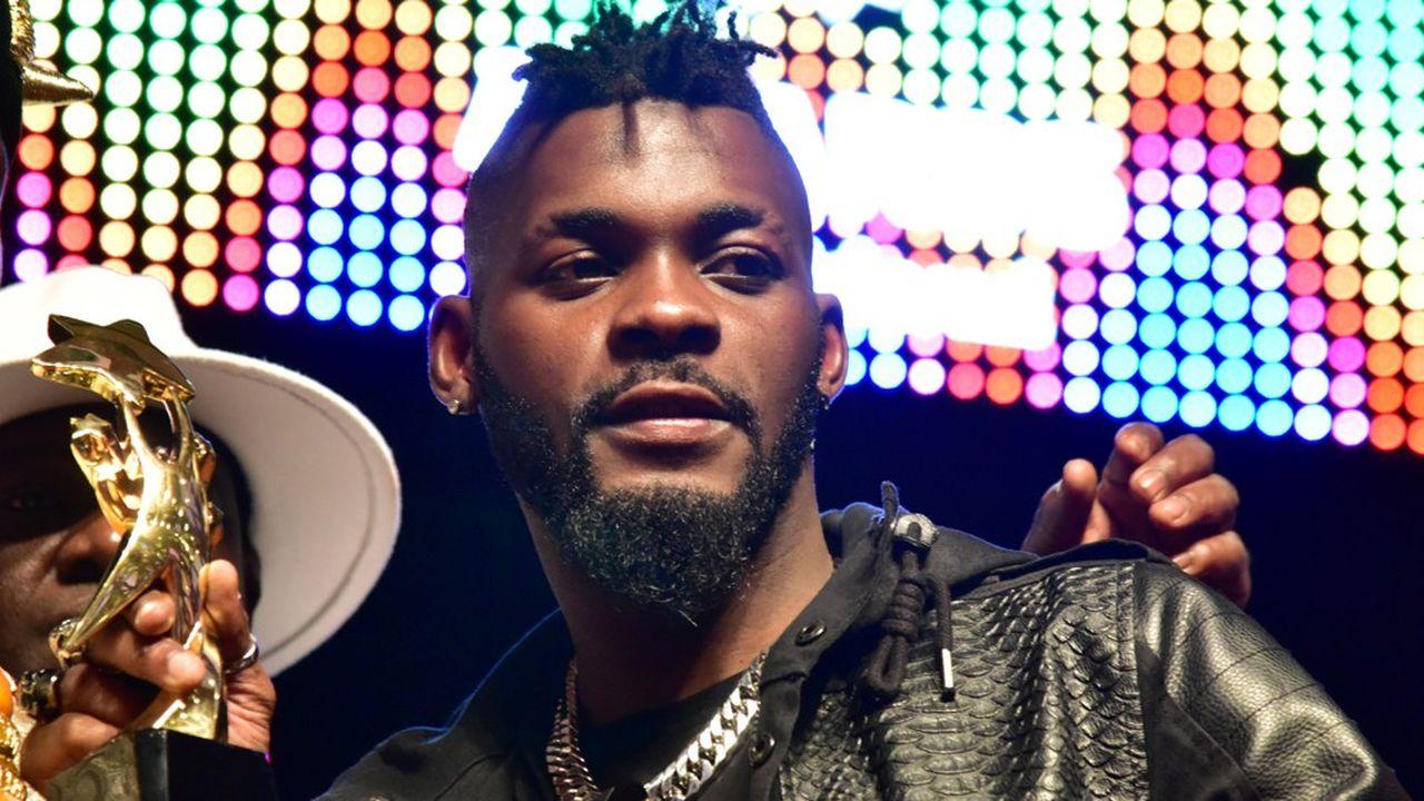 En 2017, DJ Arafat recevait le prix du meilleur artiste du coupé-décalé de l'année à Abidjan.