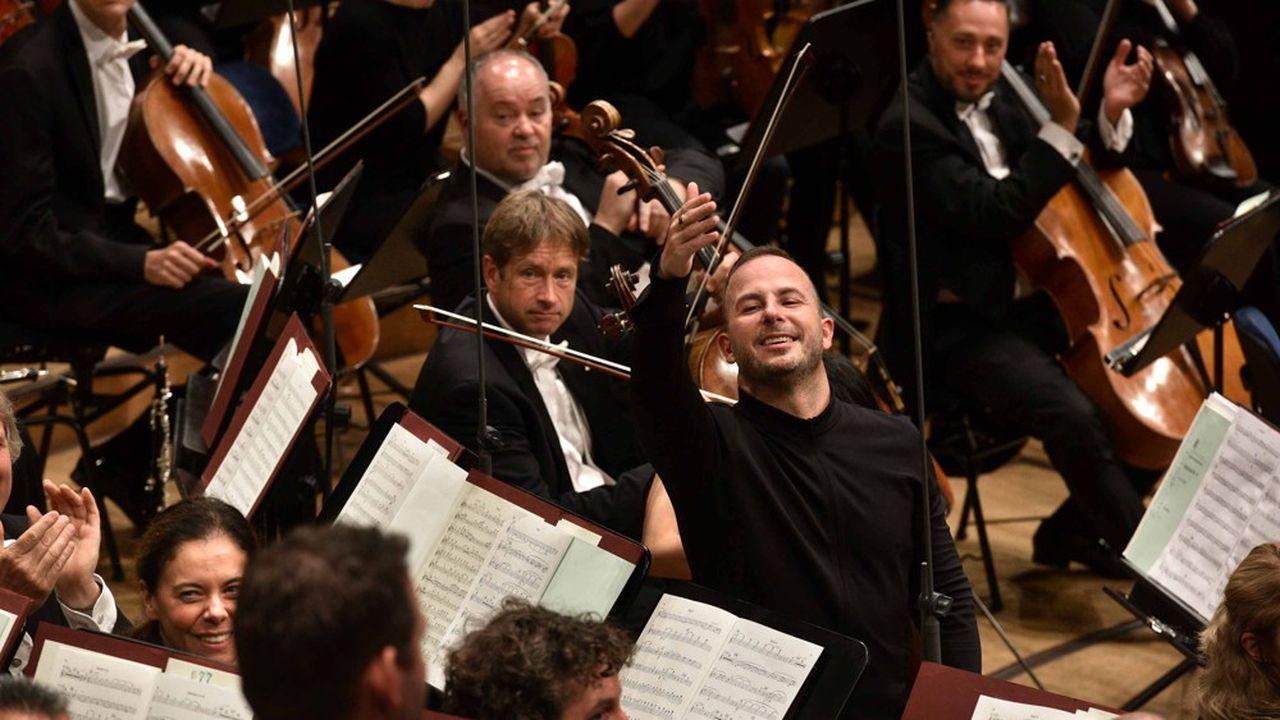 Le CanadienYannick Nézet-Séguin a fait forte impression en dirigeant la «Quatrième Symphonie» de Chostakovitch.