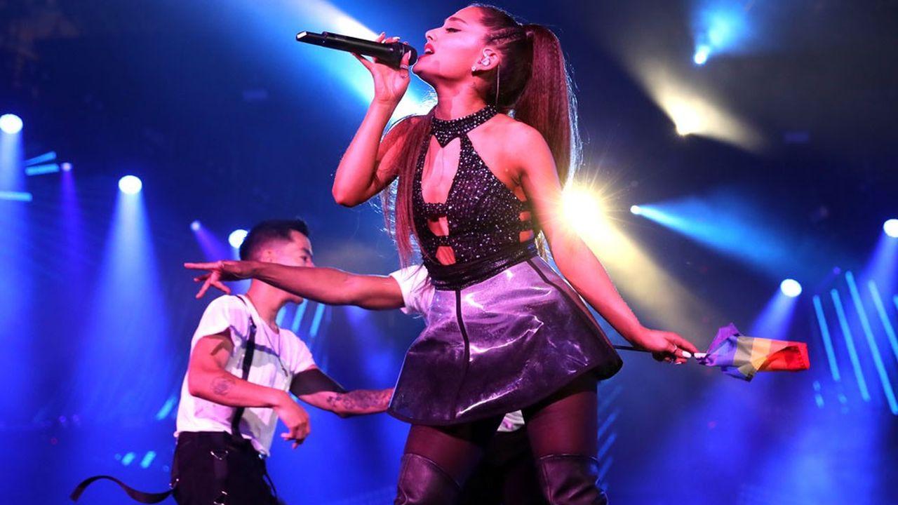 L'idole des jeunes Ariana Grande enchante Bercy