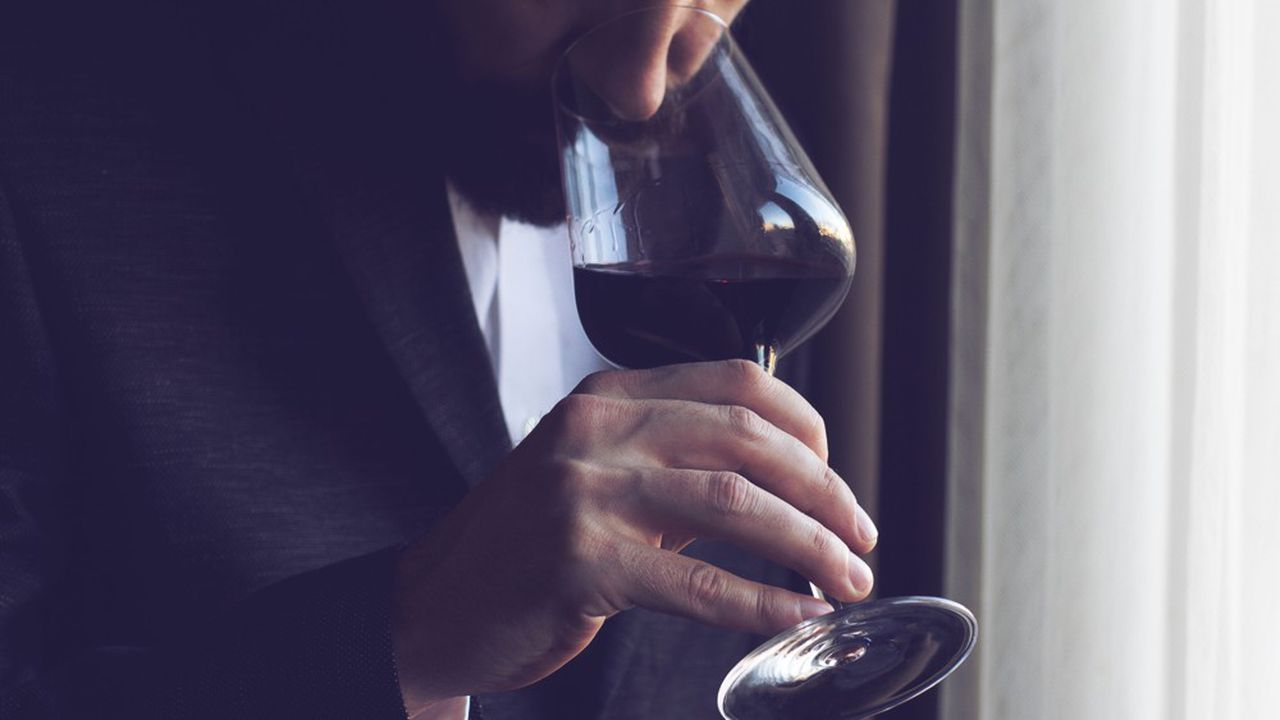 Comment Français et Anglais goûtent le vin