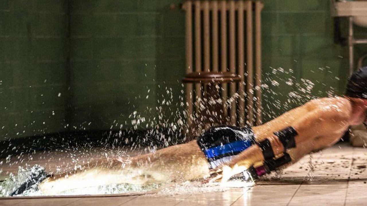 Le général Tarquin (Damien Mongin) surgit régulièrement de sa baignoire…