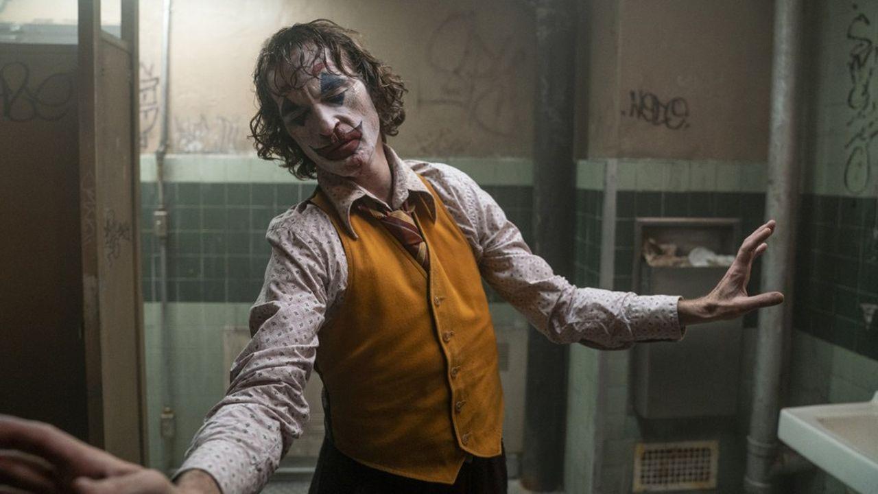 Personne d'autre que Joaquin Phoenix n'aurait pu porter le personnage du Joker à ce degré de folie sans risquer le ridicule.