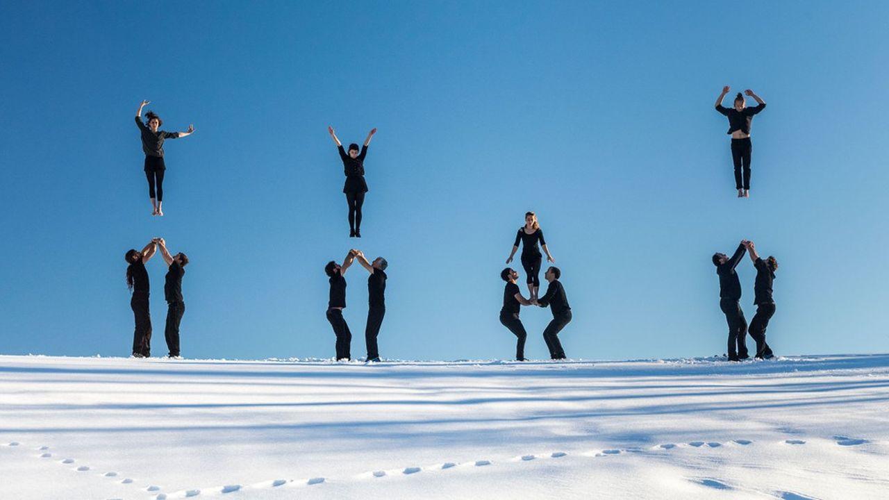 La précision des figures acrobatiques est ici une obligation, même si elle n'entrave jamais la poésie du résultat.