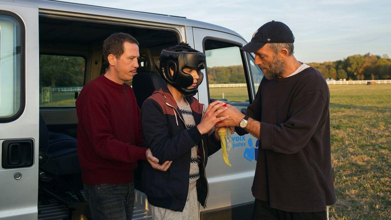 Le film est incarné magistralement par Reda Kateb et Vincent Cassel, qui dialoguent avec de «vrais» autistes devenus acteurs pour l'occasion.