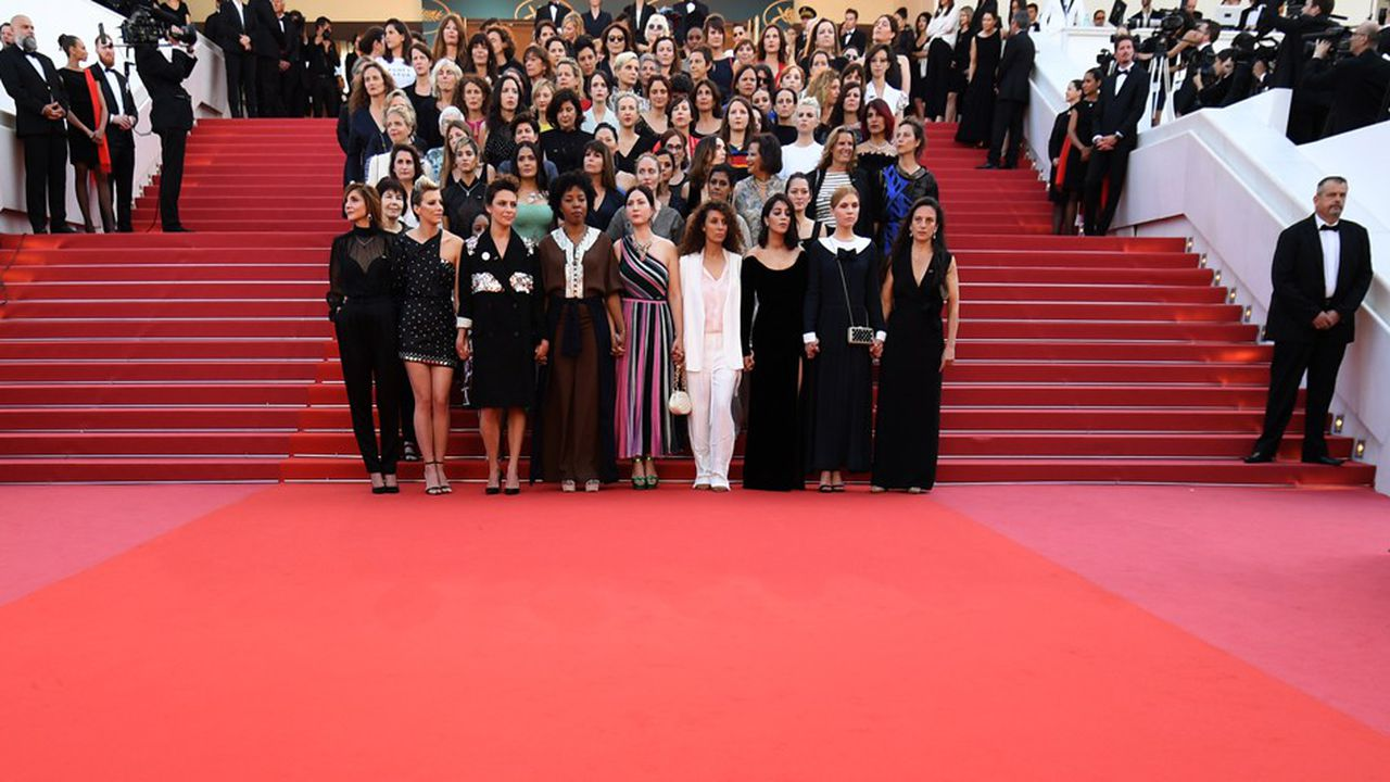 L'édition 2018 du Festival de Cannes, présidée par l'actrice Cate Blanchett, avait marqué les esprits avec la montée des marches symbolique de 82 femmes engagées, initiée par le collectif 50/50 pour 2020, pour faire avancer la cause des femmes dans l'industrie cinématographique.
