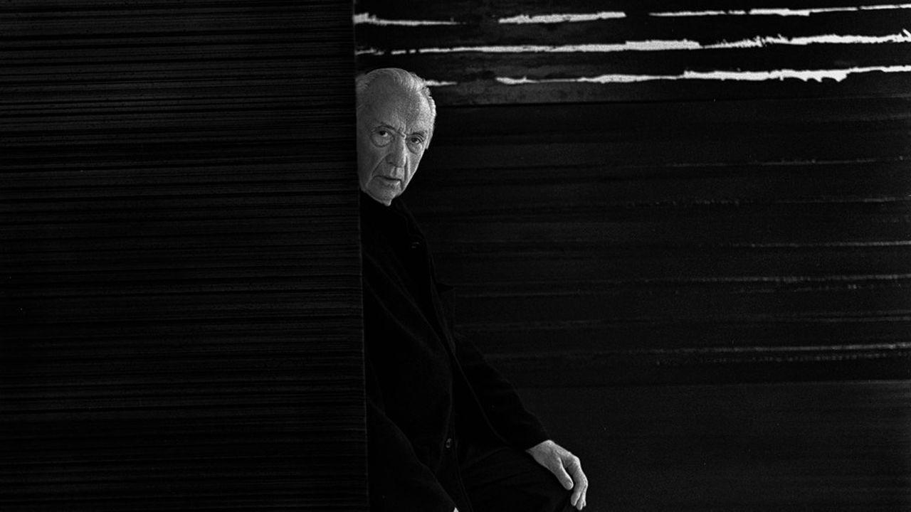 On retrouve au Louvre l'obsession de Soulages pour l'abstraction et le noir depuis l'année 1949.