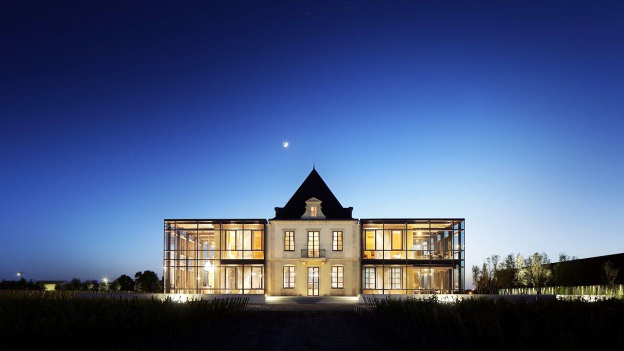 Chateau Pedesclaux au crepuscule