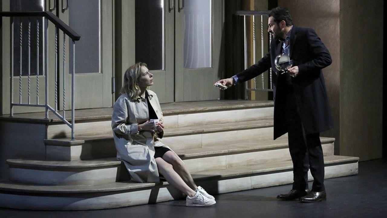 Ophelia Kolb (Emma) et Laurent Capelluto (Erik) seront bientôt amants…