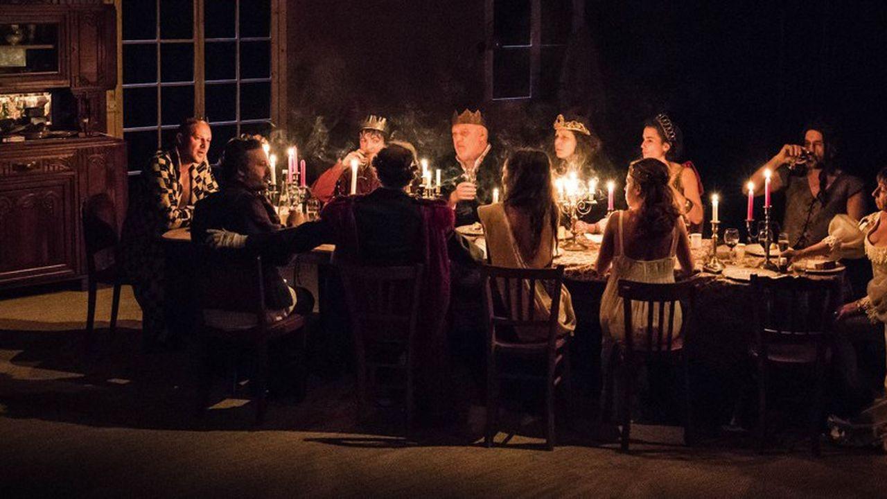 Pour célébrer Noël, la famille Vuillard joue la dernière scène de « Titus Andronicus » de Shakespeare.